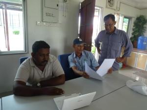 Padi SRI Selangor : Raja Menonton Video Penanaman Padi SRI Dari Tamil Nadu, India
