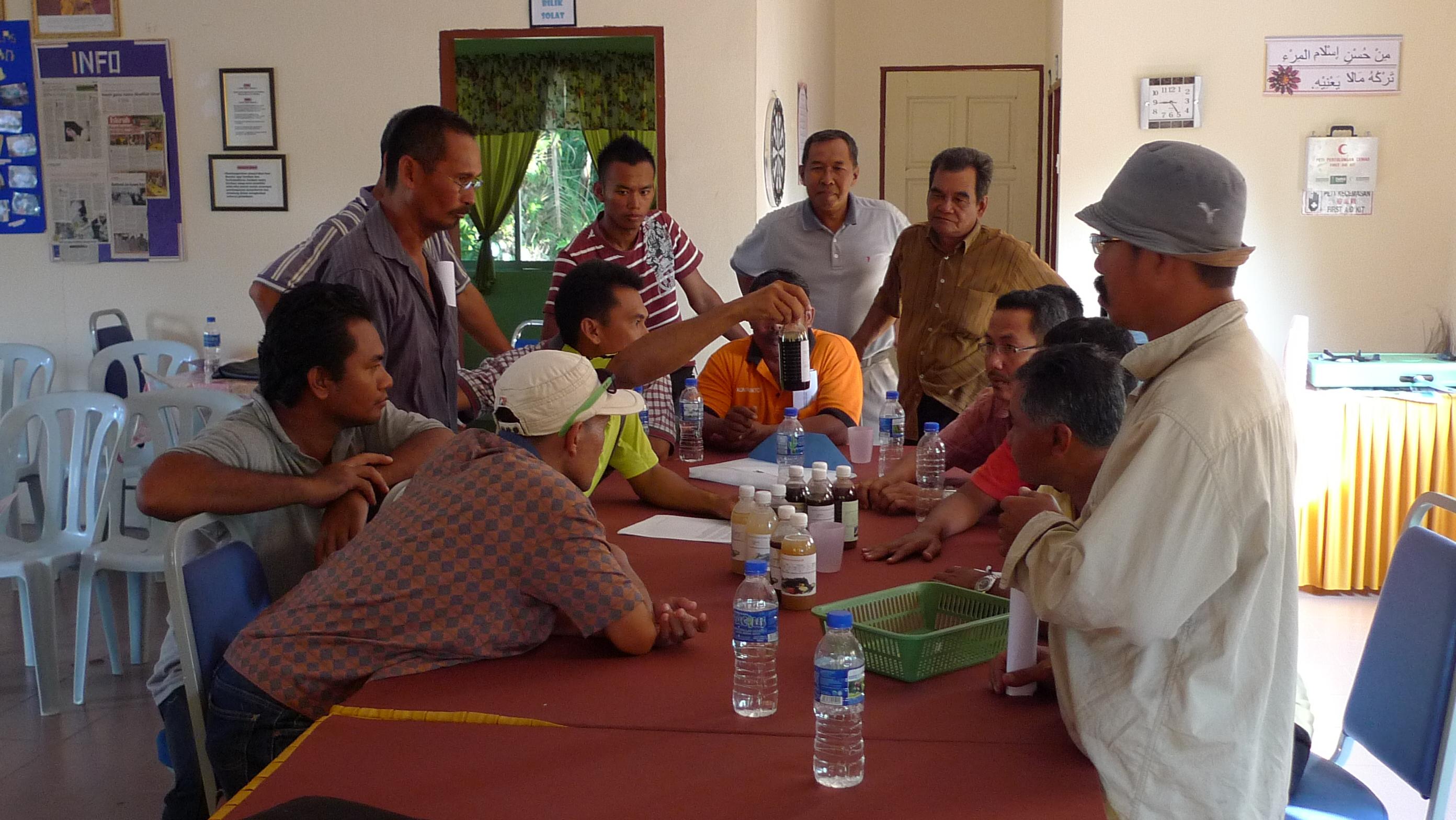 Padi SRI Selangor : Saudara Azmi Menerangkan Mengenai Produk Natural