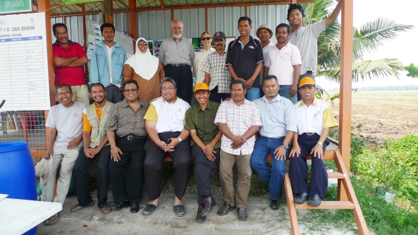 Padi SRI Selangor : Prof Norman Uphoff Berama Perwira PPL SRI
