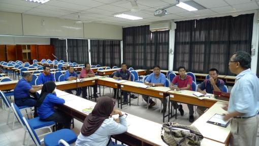 Padi SRI Selangor : Perbincangan Mekanisasi SRI 20 Julai, 2011