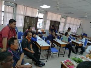 Padi SRI Selangor : Rakan PLKP Memberi Perhatian