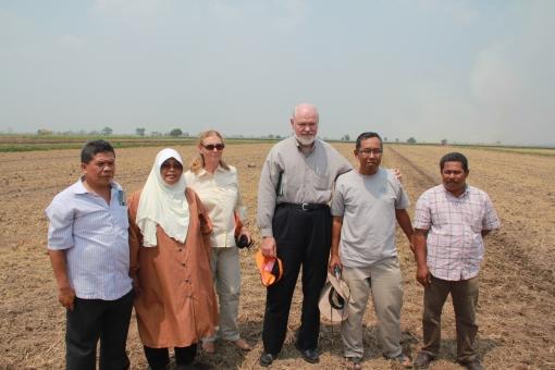Padi SRI Selangor : Lawatan Prof Dr Norman Uphoff & Lucy Fisher dari CIIFAD