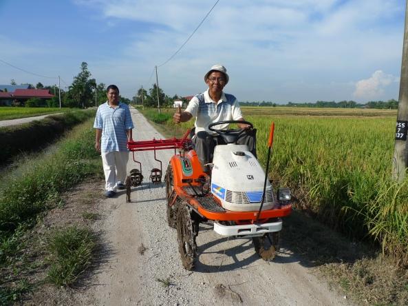 Padi SRI Selangor : Mesin Melandak Othman Mark 1 - Satu Impian Menjadi Kenyataan