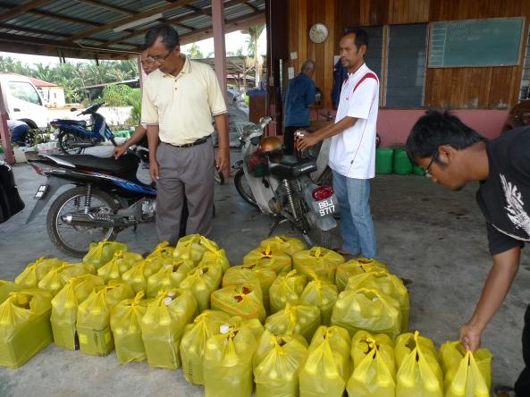 Penghantaran Bekalan Produk SRI Untuk Dicuba Dalam Mengatasi Penyakit Moko Pisang